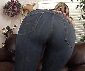 Big Booty Facesitting Videos