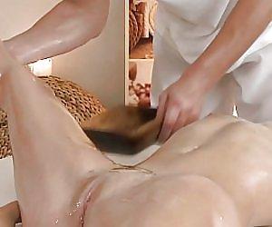 Flexible Booty Videos