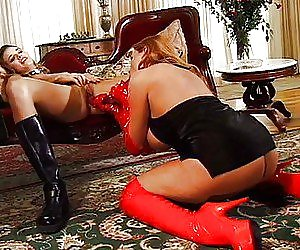 Big Booty In Latex Videos
