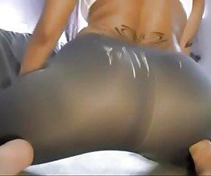 Big Booty In Yoga Pants Videos