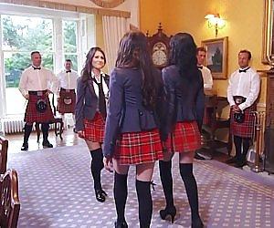 Big Booty In Skirt Videos